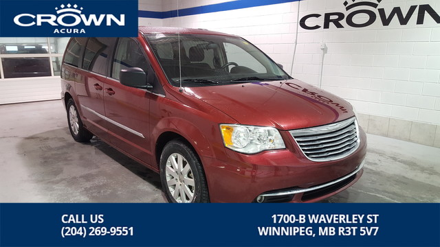 Pre-Owned 2014 Chrysler Town & Country Touring ** Stow and Go ** Backup Camera ** Power Sliding Doors **