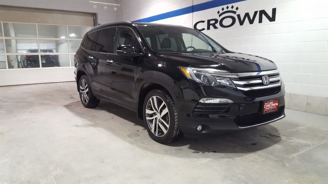 Pre-Owned 2016 Honda Pilot Touring 4WD **Navigation** **DVD Player**