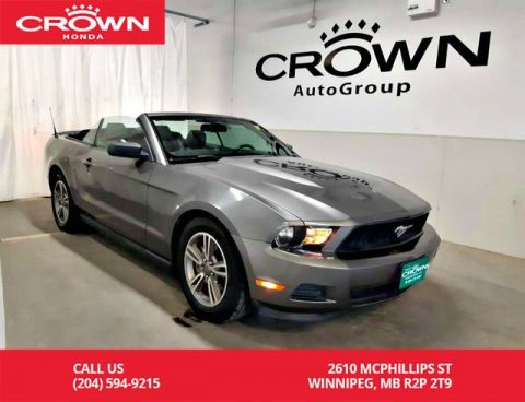 Pre-Owned 2011 Ford Mustang V6 Convertible/ Very Low kms