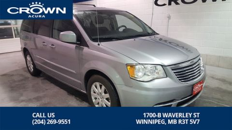Pre-Owned 2015 Chrysler Town & Country Touring ** Power Sliding Doors ** Backup Camera**