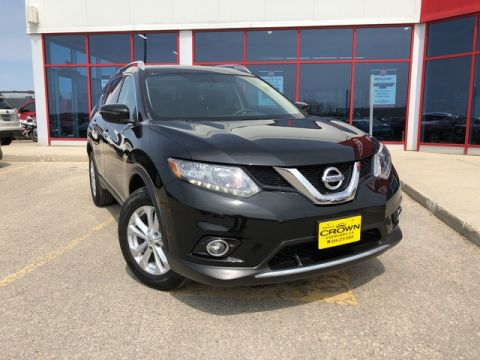 Pre-Owned 2016 Nissan Rogue SV AWD Moonroof *Clean Carfax/Trade In*